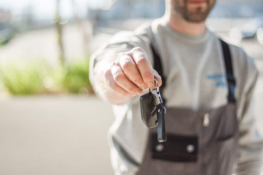 The Benefits of Choosing A Locksmith Over Your Car Dealership