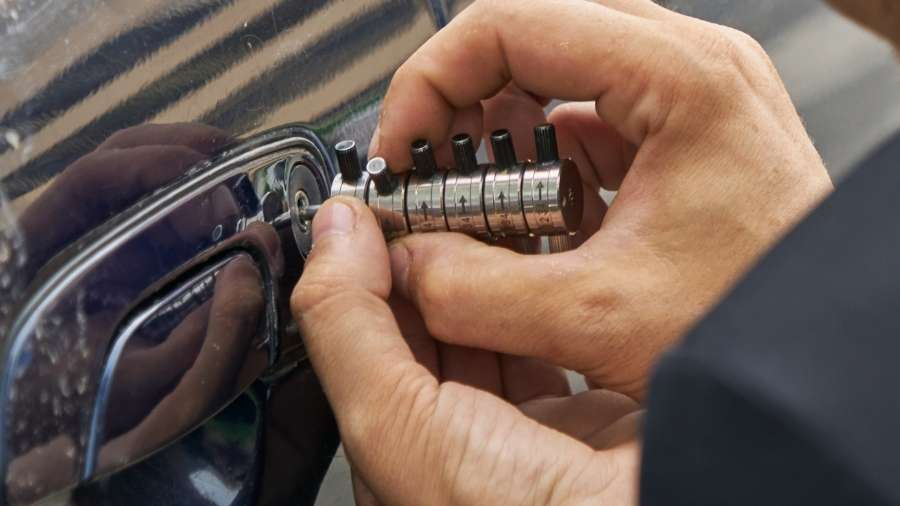 How to get a mobile car key replaced?